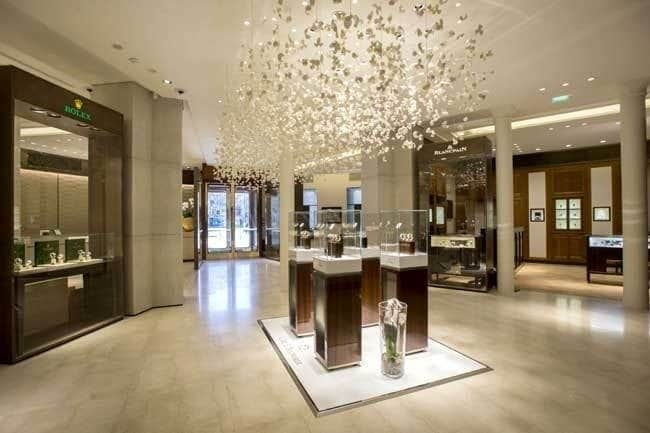 Bucherer paris d couverte du plus grand magasin de montres for Design d interieur boutique