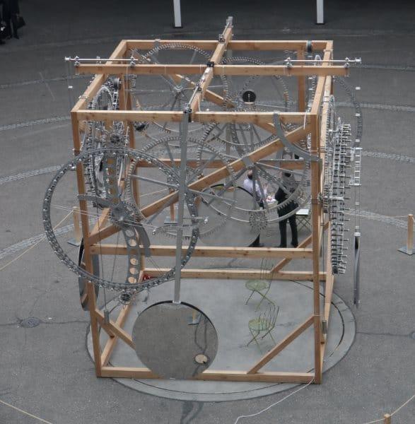Horloge géante à Baselworld