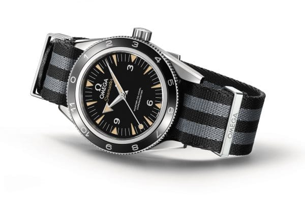 The OMEGA Seamaster 300 Bond_2015_white background_2